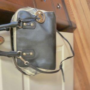 Micheal kors satchel bag